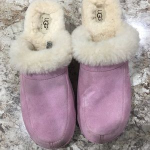 Pink UGG Clogs! Women's size 8